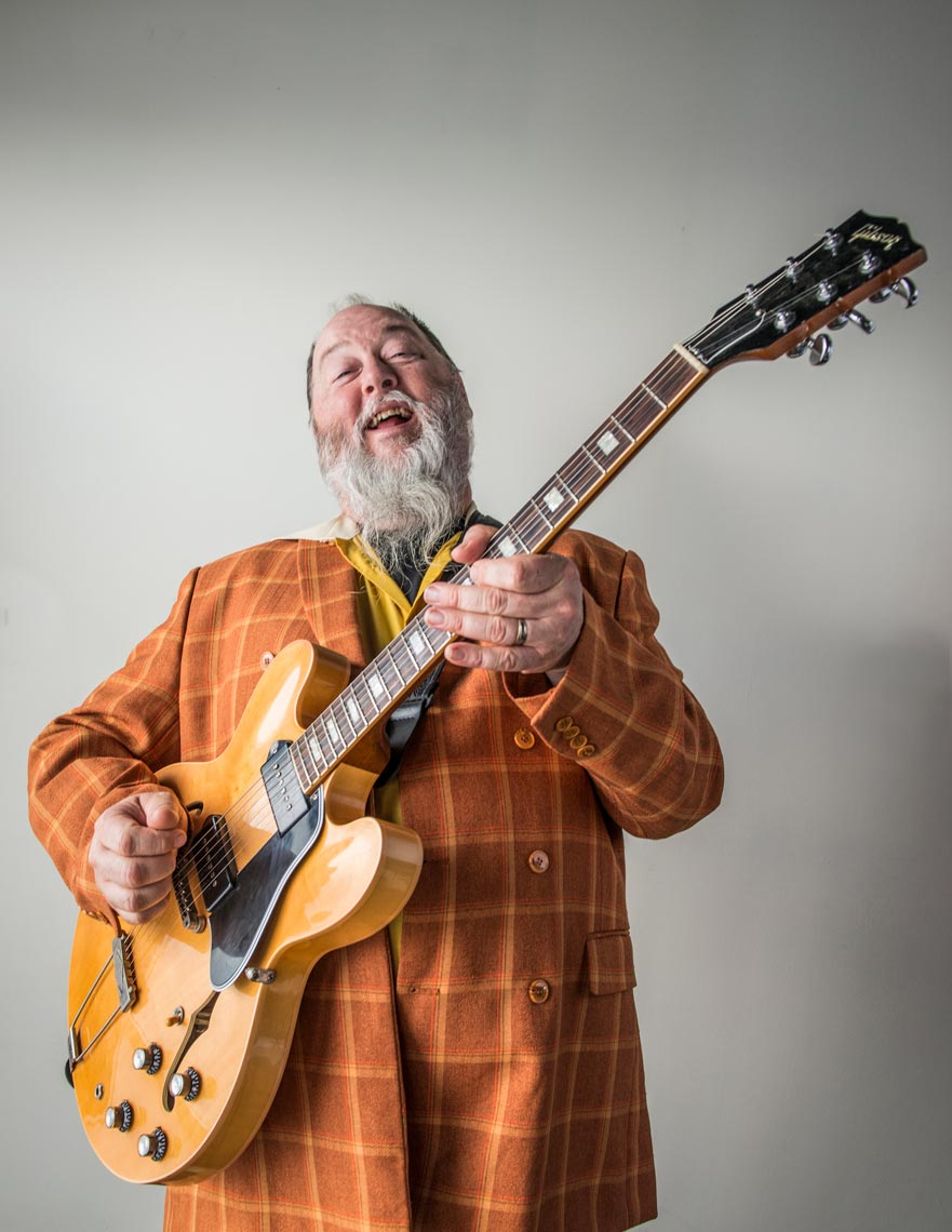 "KEVIN ""SHINYRIBS"" RUSSELL"
